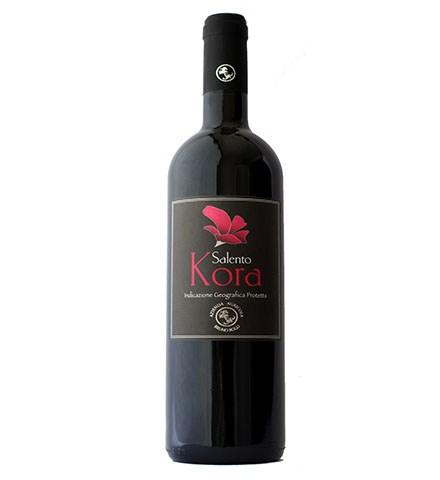 Kora <br>(Rosso Negroamaro – Primitivo)<br> € 15<br>Ottimo con carni rosse alla brace e formaggi stagionati