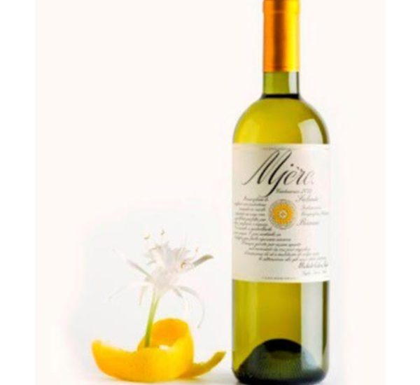 Mjerè<br> (Verdeca Bianco) <br>€ 15<br> Perfect combination with shellfish, seafood and main Mediterranean courses