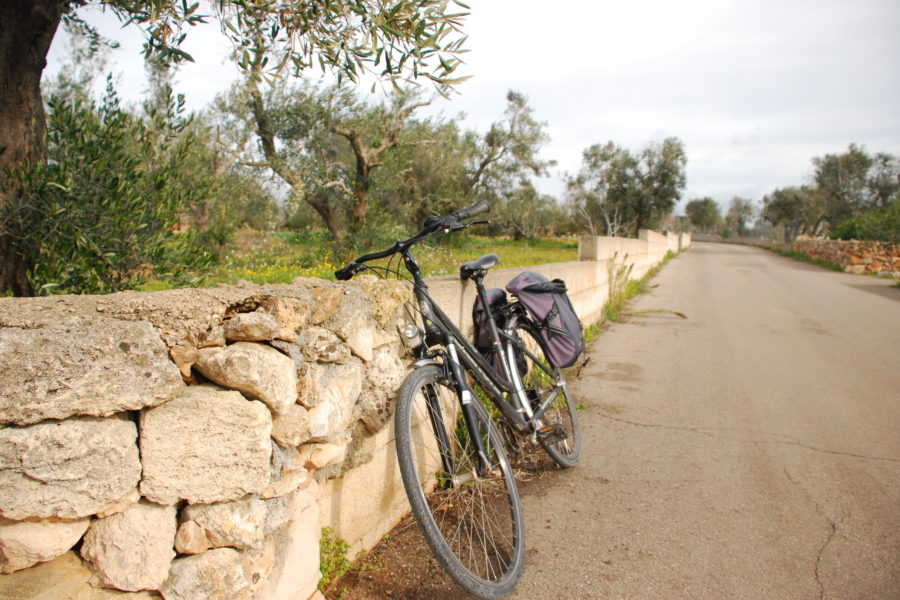 Tour Salento on bike self guided: 1 night in Matino