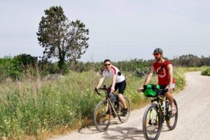 bike wine and food routes in Salento