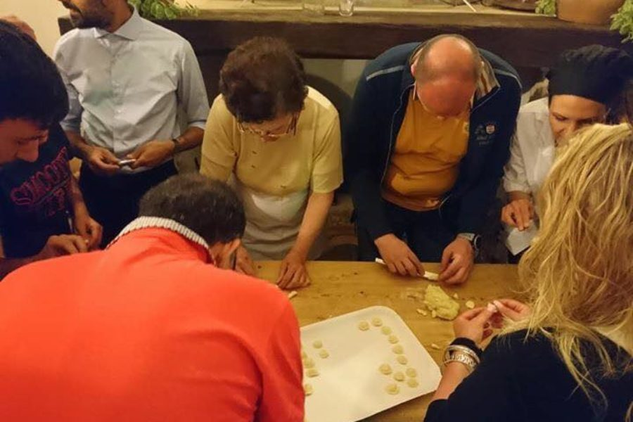 Orecchiette workshop with the grandmother Tetta